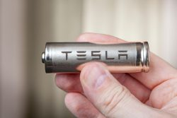 What Is Inside The Tesla Battery And How It Works